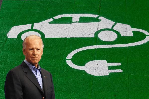 Tong thong Joe Biden se thay doi xe lien bang bang oto dien-Hinh-4