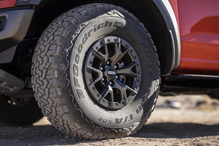 "Ban tai ""khung long"" Ford F-150 Raptor 2021 nang cap nhung gi?-Hinh-10"