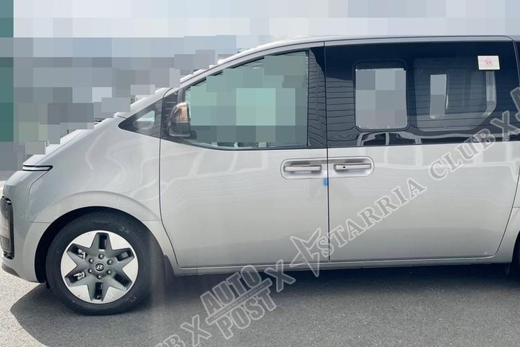 """Chi tiet Hyundai Staria Lounge 2021 tu 556 trieu dong, """"dau"""" Kia Sedona-Hinh-4"""