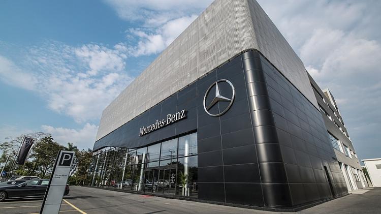 Mercedes-Benz Viet Nam co dai ly tieu chuan MAR 2020 dau tien-Hinh-3
