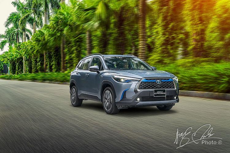 Toyota Viet Nam ban ra 6.679 xe, van bi Hyundai cho