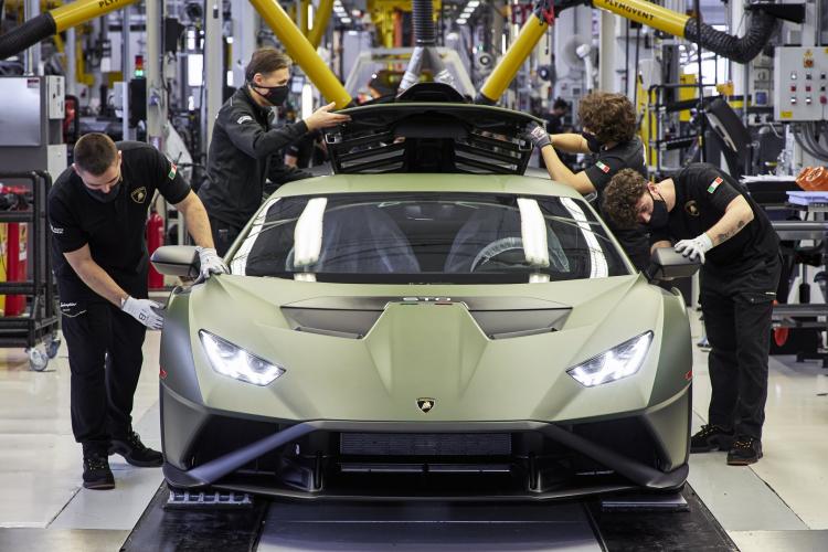 Lamborghini ban gan 2.500 xe trong quy I/2021, Urus ban chay nhat-Hinh-3