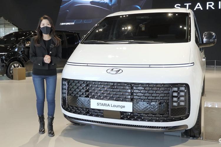 Kham pha tung chi tiet cua MPV Hyundai Staria ban 9 va 11 cho ngoi