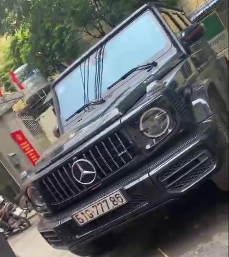 CSGT Ha Noi lai phat hien o to Mercedes nghi deo bien so gia
