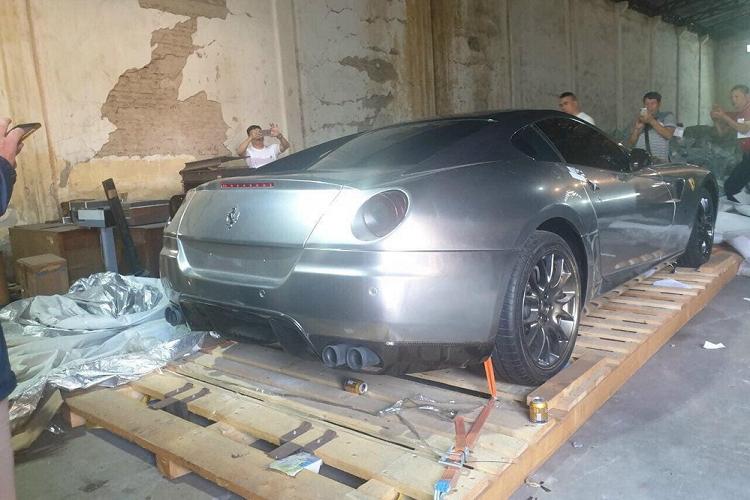 """Ngam """"nhan sac"""" sieu xe Ferrari 599 GTB cua dai gia Hai Phong-Hinh-6"""