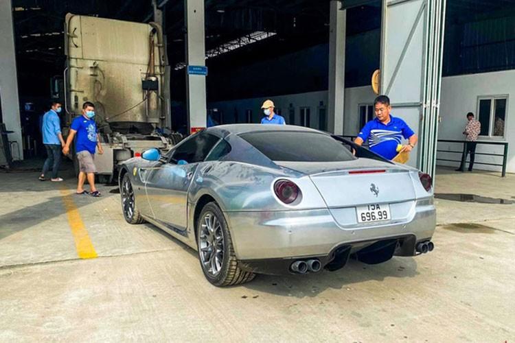 """Ngam """"nhan sac"""" sieu xe Ferrari 599 GTB cua dai gia Hai Phong-Hinh-7"""