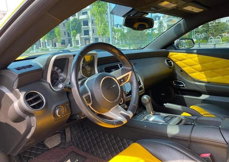 Chevrolet Camaro hon 1,3 ty tai Viet Nam bi dan mang