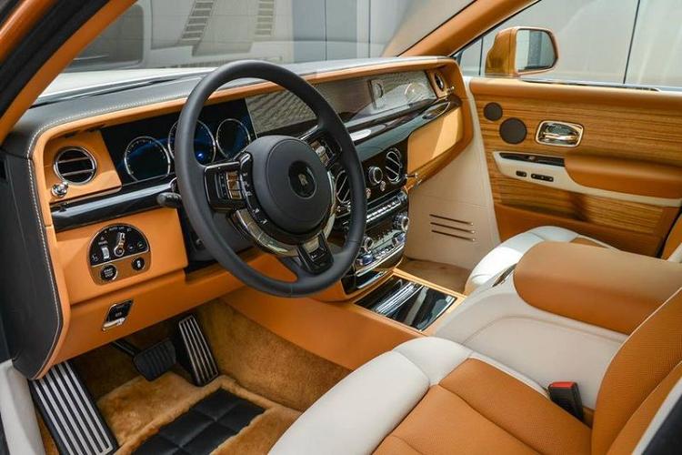 Rolls-Royce Phantom trieu do dac biet nay sap ve tay dai gia Viet-Hinh-2