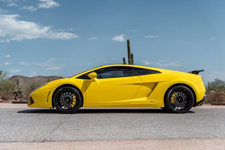 Sieu xe Lamborghini Gallardo so san 240.000 USD, dat hon Huracan-Hinh-3