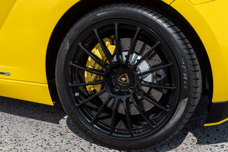 Sieu xe Lamborghini Gallardo so san 240.000 USD, dat hon Huracan-Hinh-7