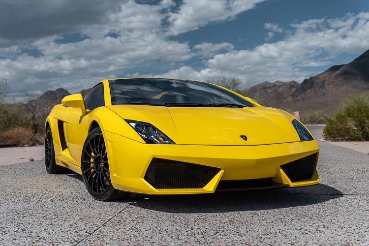 Sieu xe Lamborghini Gallardo so san 240.000 USD, dat hon Huracan