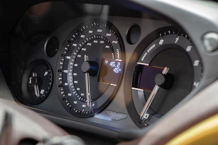 "Aston Martin Vanquish Zagato Speedster ""hang luot"" gan 27 ty dong-Hinh-5"