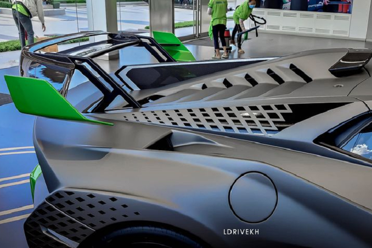 "Lamborghini Huracan STO ve den Campuchia, dai gia Viet ""phat them""-Hinh-5"