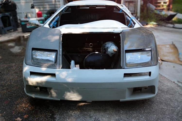 """Lamborghini Diablo """"nhai"""", khong dong co van rao ban gan 700 trieu dong-Hinh-2"""