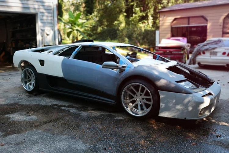 """Lamborghini Diablo """"nhai"""", khong dong co van rao ban gan 700 trieu dong"""