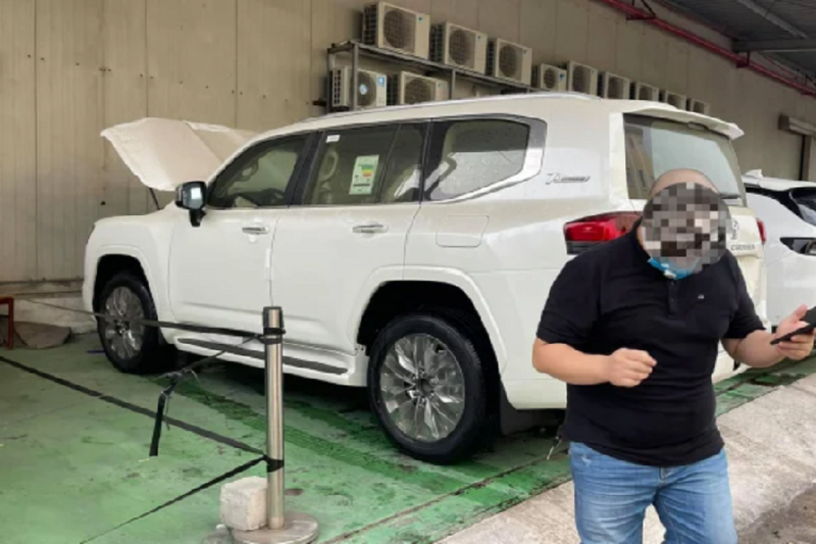 Toyota Land Cruiser 2022 nhap Trung Dong ve Viet Nam, hon 6 ty-Hinh-5