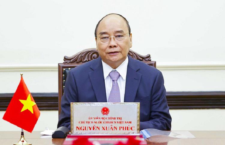 Tong thong Putin moi Chu tich nuoc Nguyen Xuan Phuc som tham Nga
