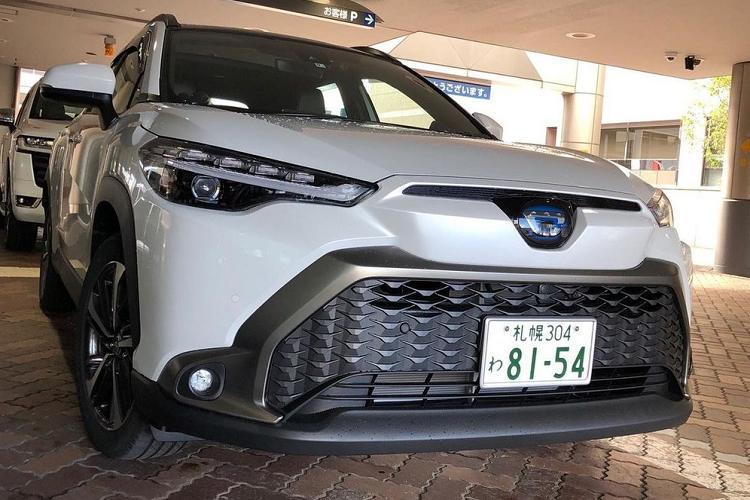 """Toyota Cross 2021 """"bang xuong, bang thit"""" hon 400 trieu dong o Nhat-Hinh-10"""