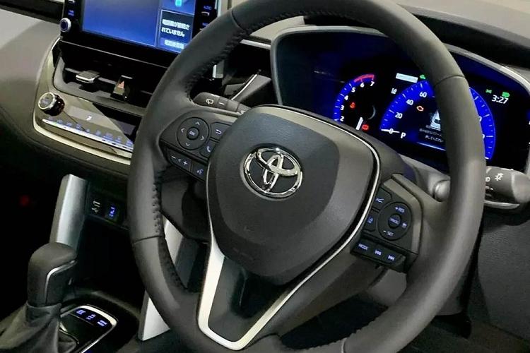"""Toyota Cross 2021 """"bang xuong, bang thit"""" hon 400 trieu dong o Nhat-Hinh-4"""