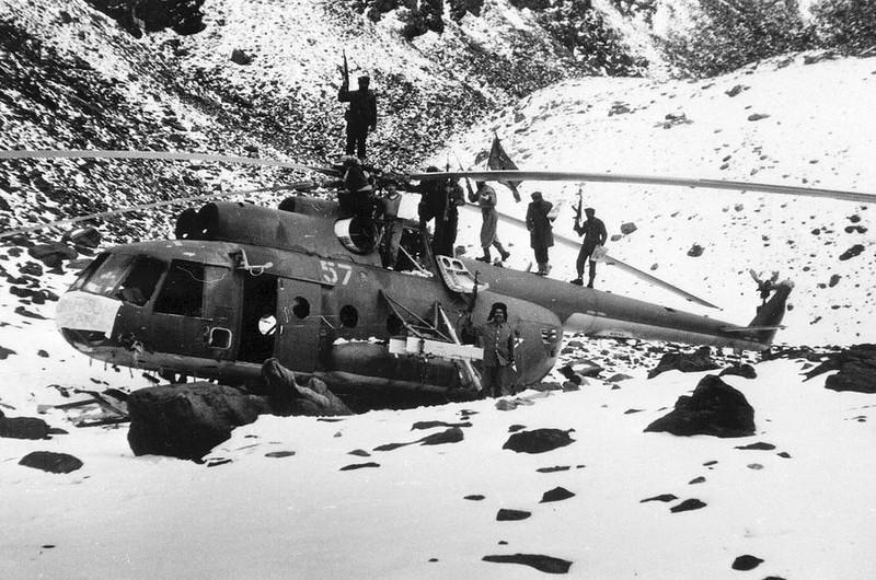 Vu khi Hong quan Lien Xo huy hoang va bi trang o Afghanistan-Hinh-10