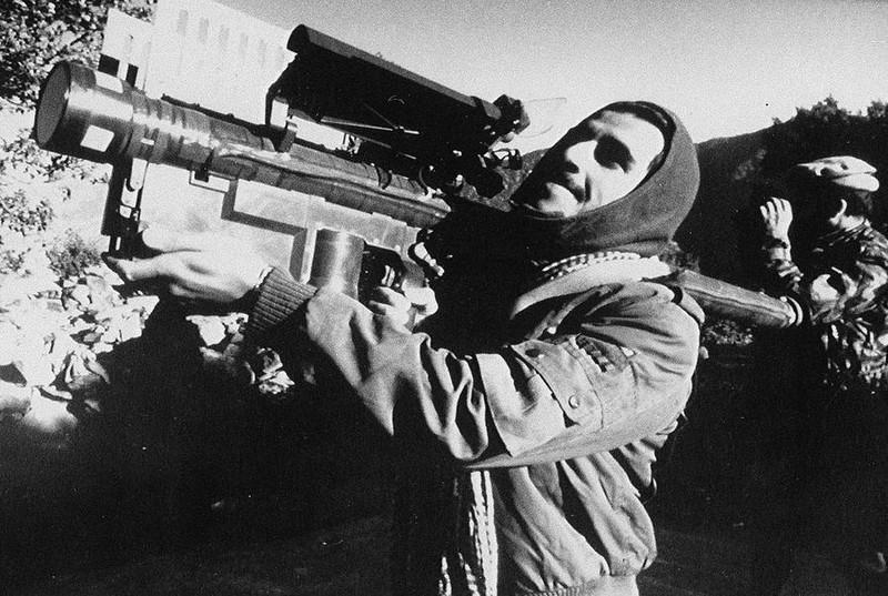 Vu khi Hong quan Lien Xo huy hoang va bi trang o Afghanistan-Hinh-11