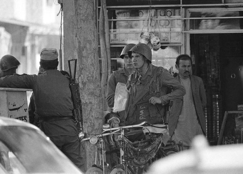 Vu khi Hong quan Lien Xo huy hoang va bi trang o Afghanistan-Hinh-12