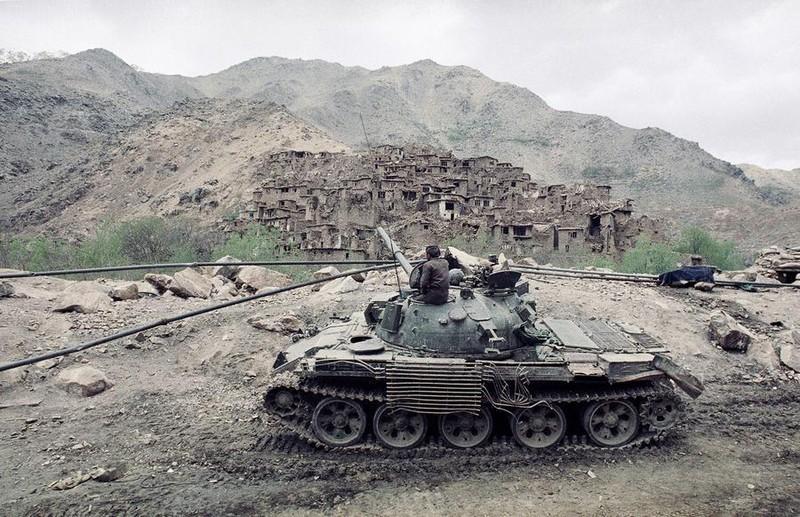 Vu khi Hong quan Lien Xo huy hoang va bi trang o Afghanistan-Hinh-13