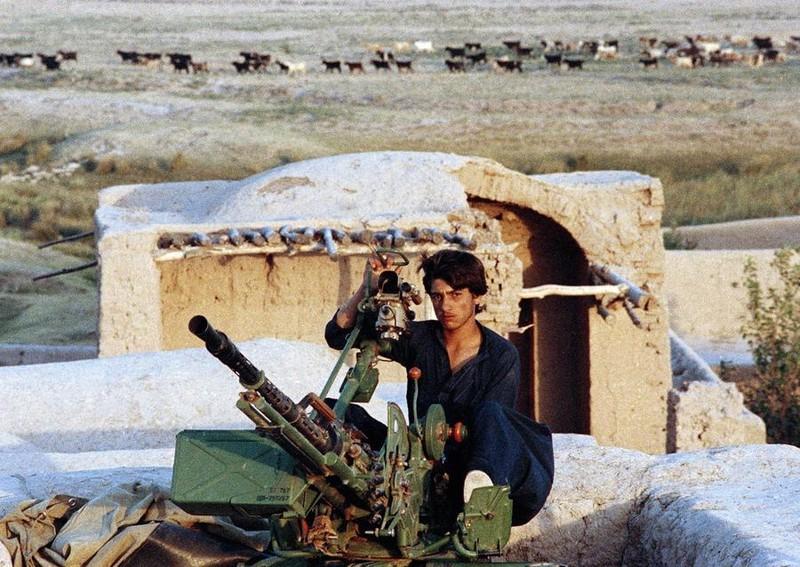 Vu khi Hong quan Lien Xo huy hoang va bi trang o Afghanistan-Hinh-17