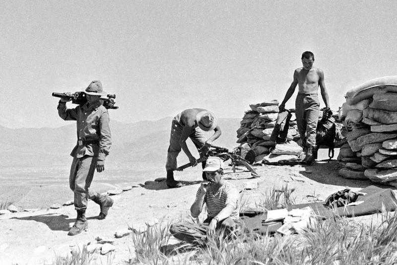 Vu khi Hong quan Lien Xo huy hoang va bi trang o Afghanistan-Hinh-5