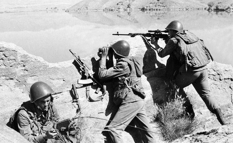 Vu khi Hong quan Lien Xo huy hoang va bi trang o Afghanistan-Hinh-8