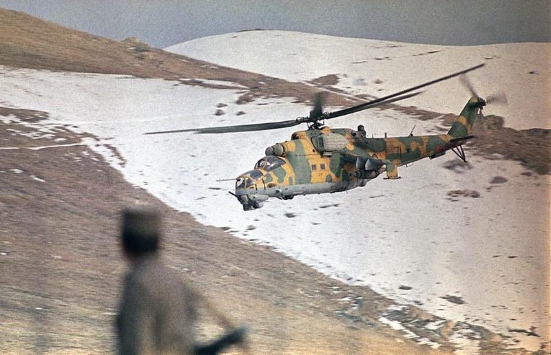 Vu khi Hong quan Lien Xo huy hoang va bi trang o Afghanistan