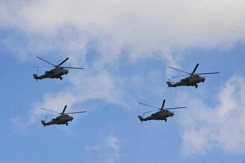 Ky niem 15 nam gia nhap NATO, Ba Lan duyet binh lon chua tung thay-Hinh-10