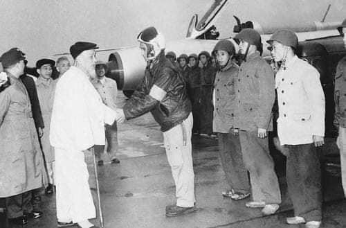 Chi tiet doc la tren nhung chiec MiG-21 dau tien Viet Nam tiep nhan-Hinh-5