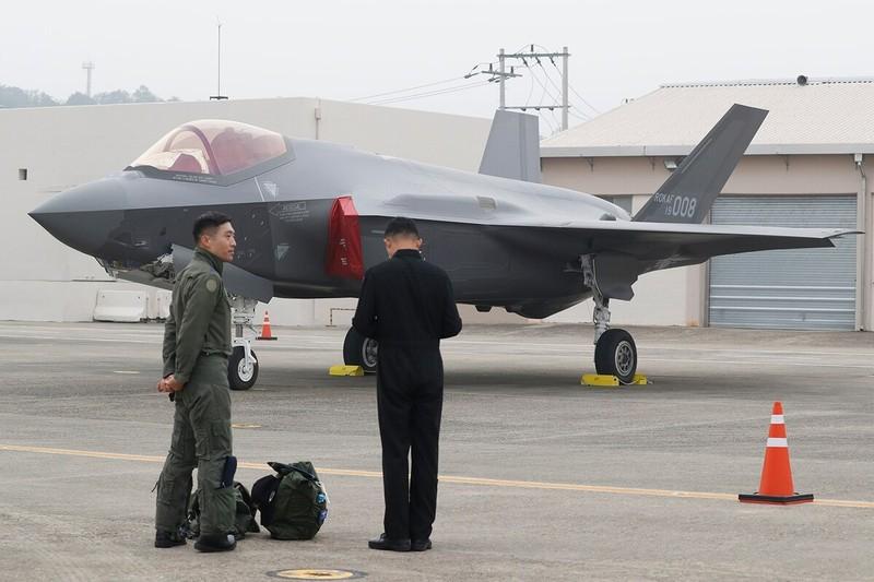 Tai sao co F-35, nhung Han Quoc van nang cap tiem kich F-16?-Hinh-14