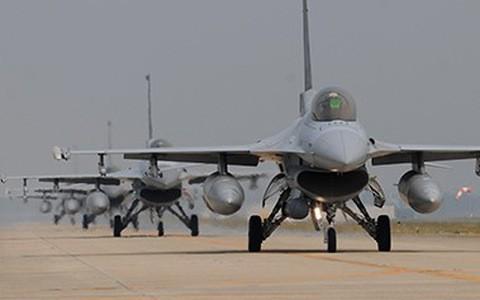 Tai sao co F-35, nhung Han Quoc van nang cap tiem kich F-16?