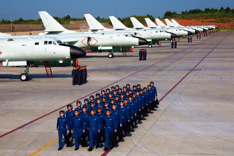 Voi 2.500 may bay, Khong quan Trung Quoc dan
