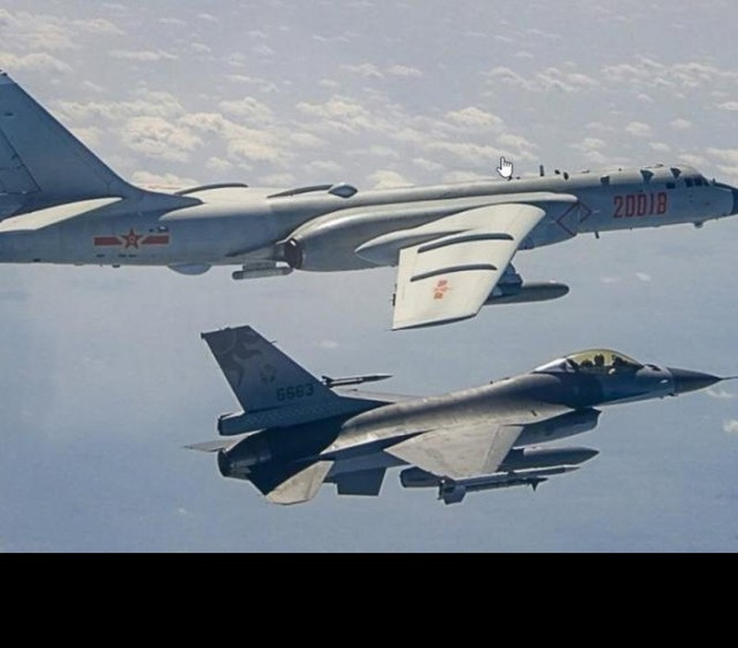 F-16 Dai Loan mat tich bi an: Bi ban ha hay dam xuong bien?-Hinh-6