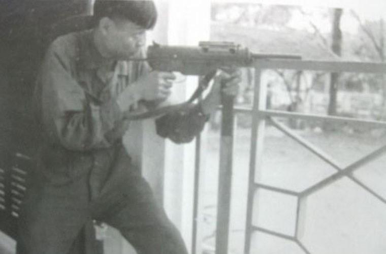 Vu khi ca nhan cua chien si Giai phong quan truoc khi co AK-47-Hinh-2