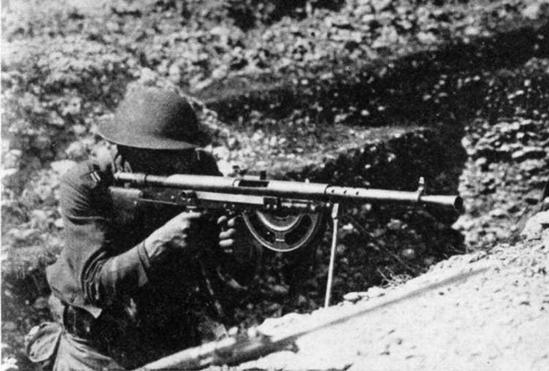5 khẩu súng bộ binh tệ nhất từng được đưa vào biên chế