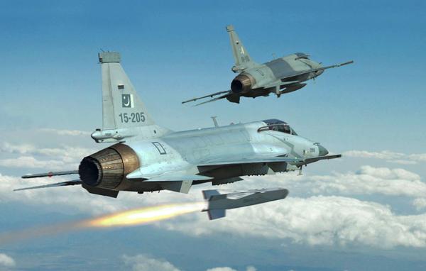"""Tai sao Pakistan lai khong chon """"quoc bao"""" J-10C tu dong minh-Hinh-10"""