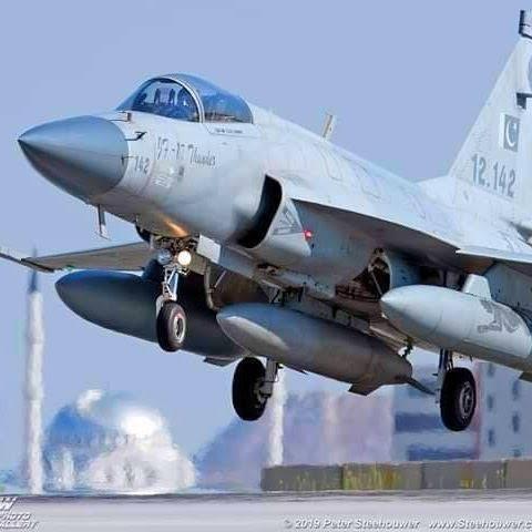"""Tai sao Pakistan lai khong chon """"quoc bao"""" J-10C tu dong minh-Hinh-12"""