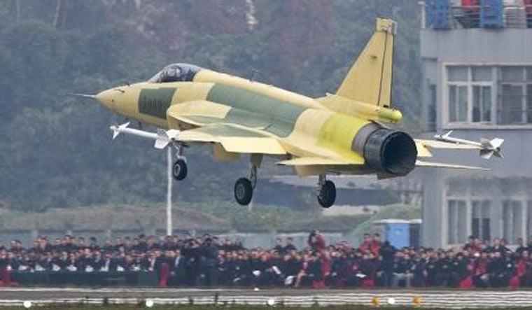"""Tai sao Pakistan lai khong chon """"quoc bao"""" J-10C tu dong minh-Hinh-4"""