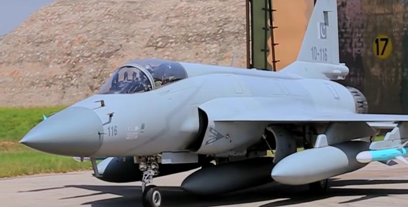 """Tai sao Pakistan lai khong chon """"quoc bao"""" J-10C tu dong minh-Hinh-7"""