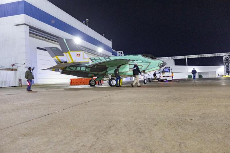 Co quy mo qua nho, Khong quan Dan Mach co mua F-35 lam gi?-Hinh-2