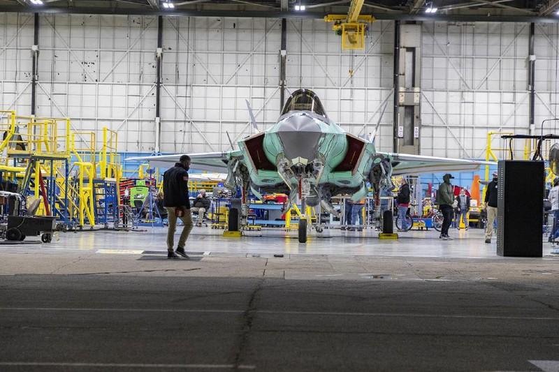 Co quy mo qua nho, Khong quan Dan Mach co mua F-35 lam gi?