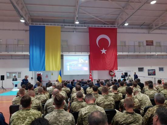 Ukraine mua UAV Tho Nhi Ky; Nga canh bao: Donbass khong phai Armenia-Hinh-11