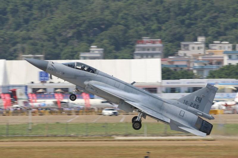 Ly do Malaysia lua chon may bay Pakistan, quay lung voi An Do-Hinh-2