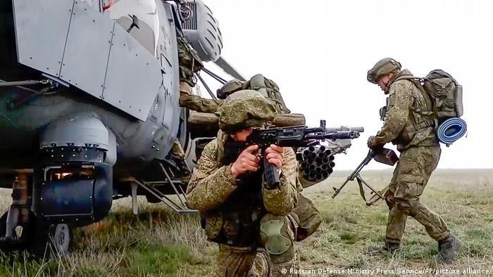 Nga van chua rut quan hoan toan khoi bien gioi Ukraine?-Hinh-11