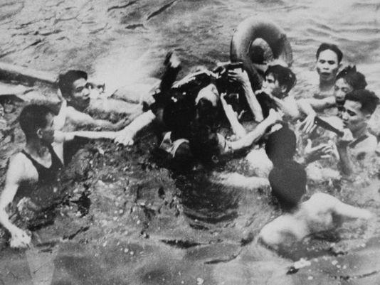 Bao Nga nhac lai chien tich Viet Nam ban ha may bay John McCain-Hinh-23