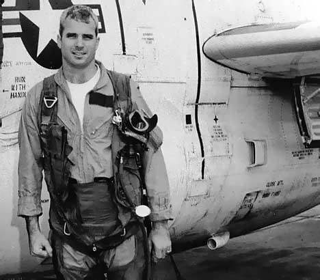 Bao Nga nhac lai chien tich Viet Nam ban ha may bay John McCain-Hinh-26